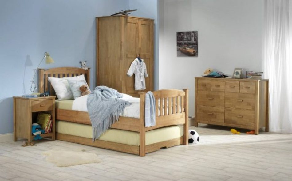 High foot end Guest bed