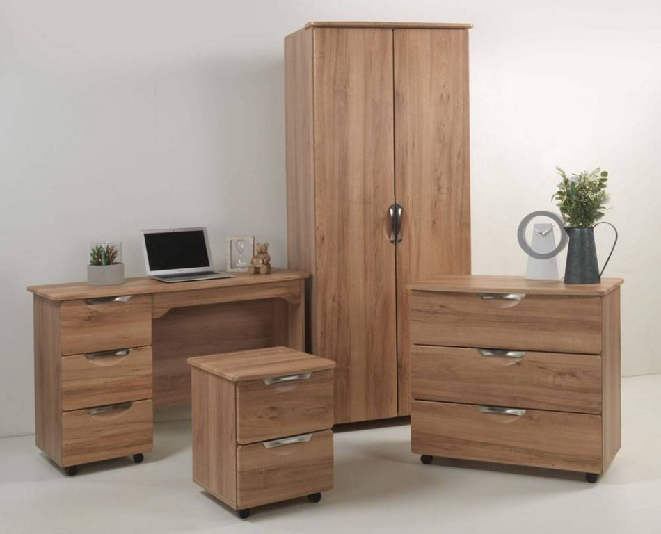 Kllever Bedroom Collection