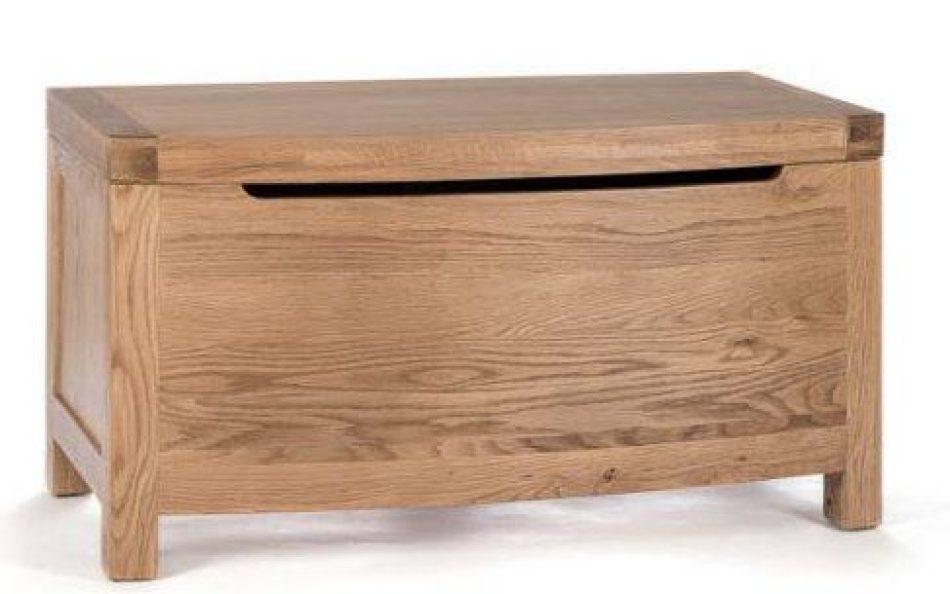 curved-blanket-box